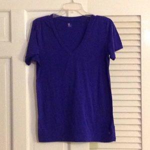Gap purple t shirt V neck